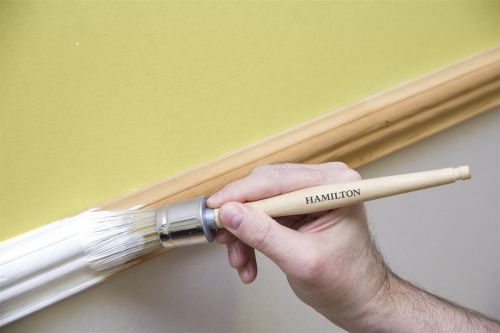 Round ended paint brush